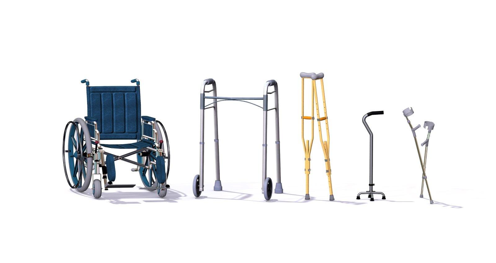Una collezione di accessori per la mobilità tra cui una sedia a rotelle, passeggiatori, stampelle, quadrupedi e pattini per l'avambraccio