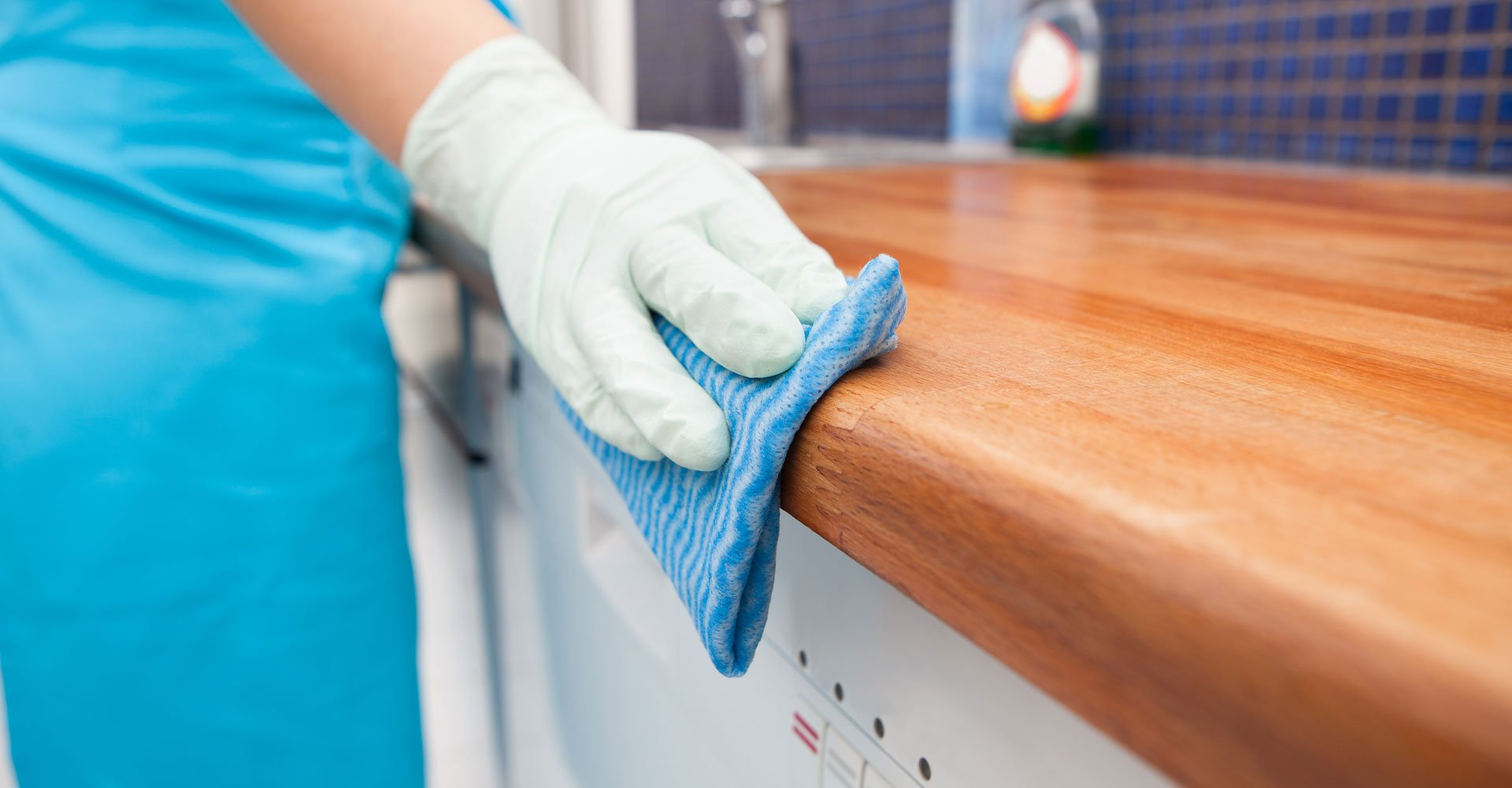 Wiping table