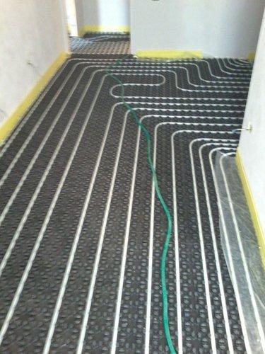 corridoio con impianto a pavimento