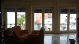 finestra a tre porte
