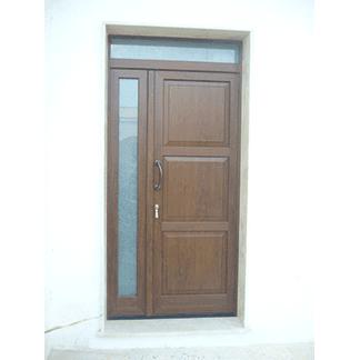 Portone esterno legno vetrata