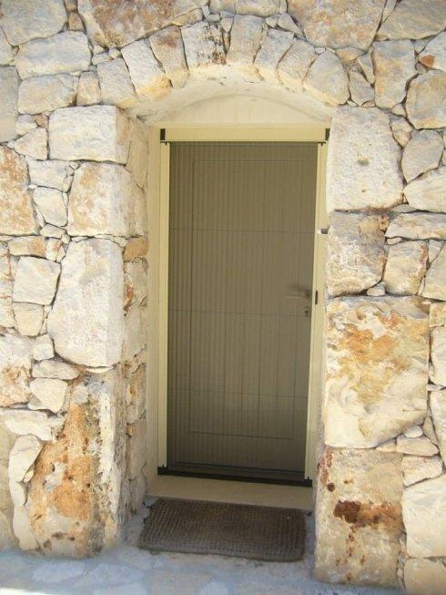 Portone esterno pietra