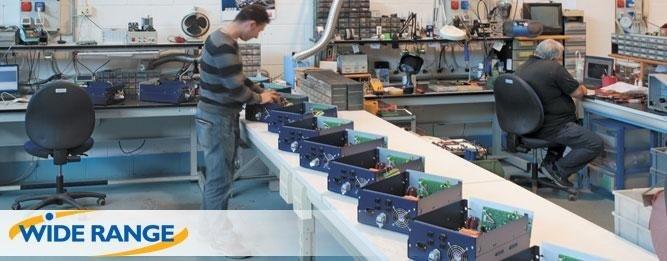 dispenser per etichette autoadesive in bobina
