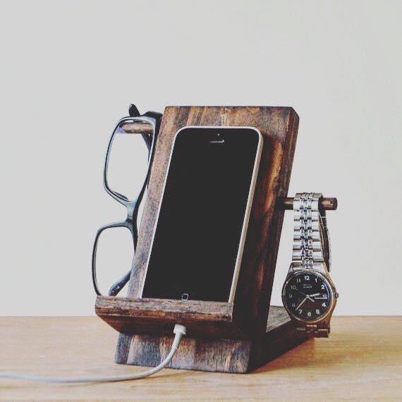 stand per smartphone in legno