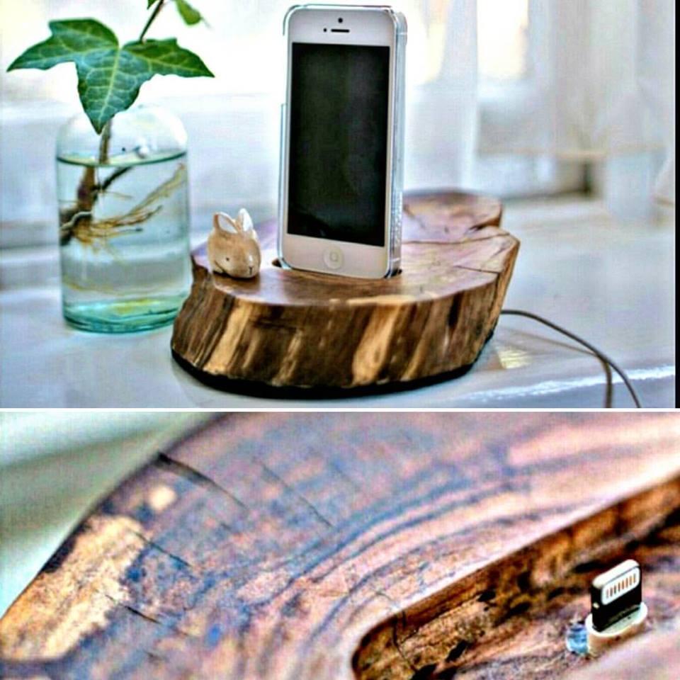 dock station per smartphone in legno