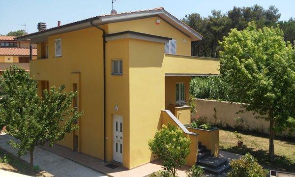 una casa gialla