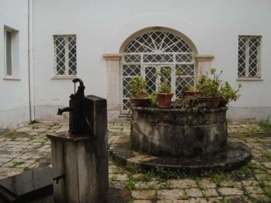 pozzo all apertocon fontana