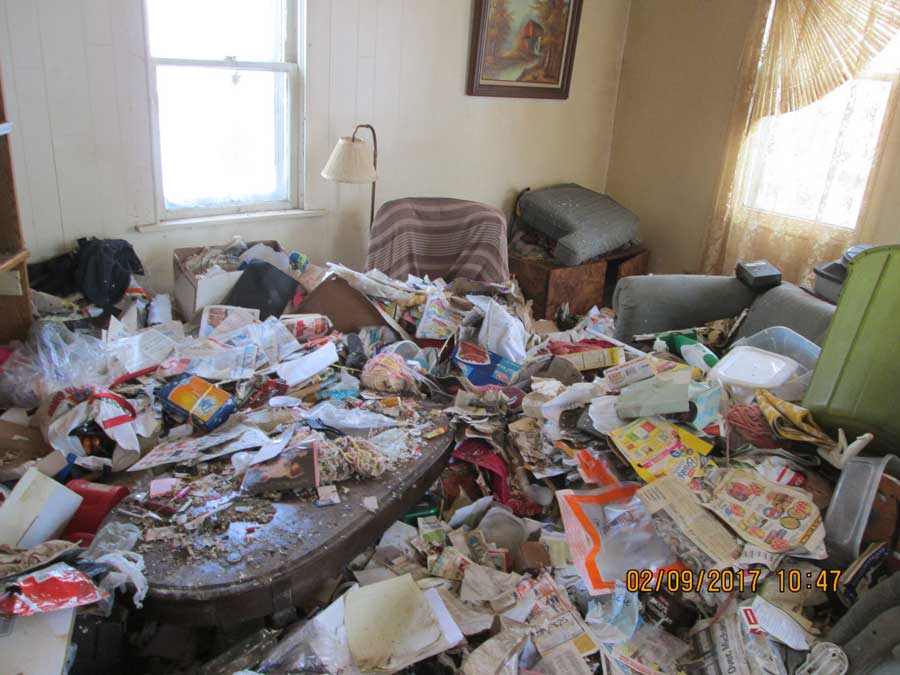 Cleaning Hoarders, Before