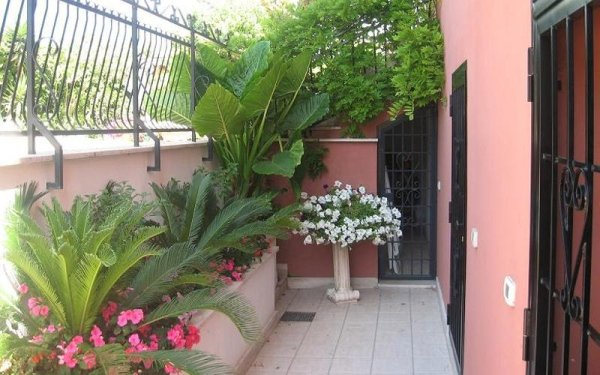 giardino casa per anziani