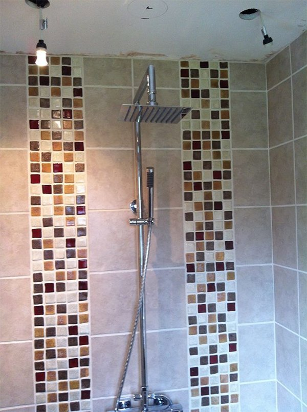 attractive bathroom walling