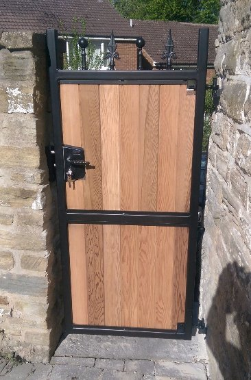 side gate cedar wood experts