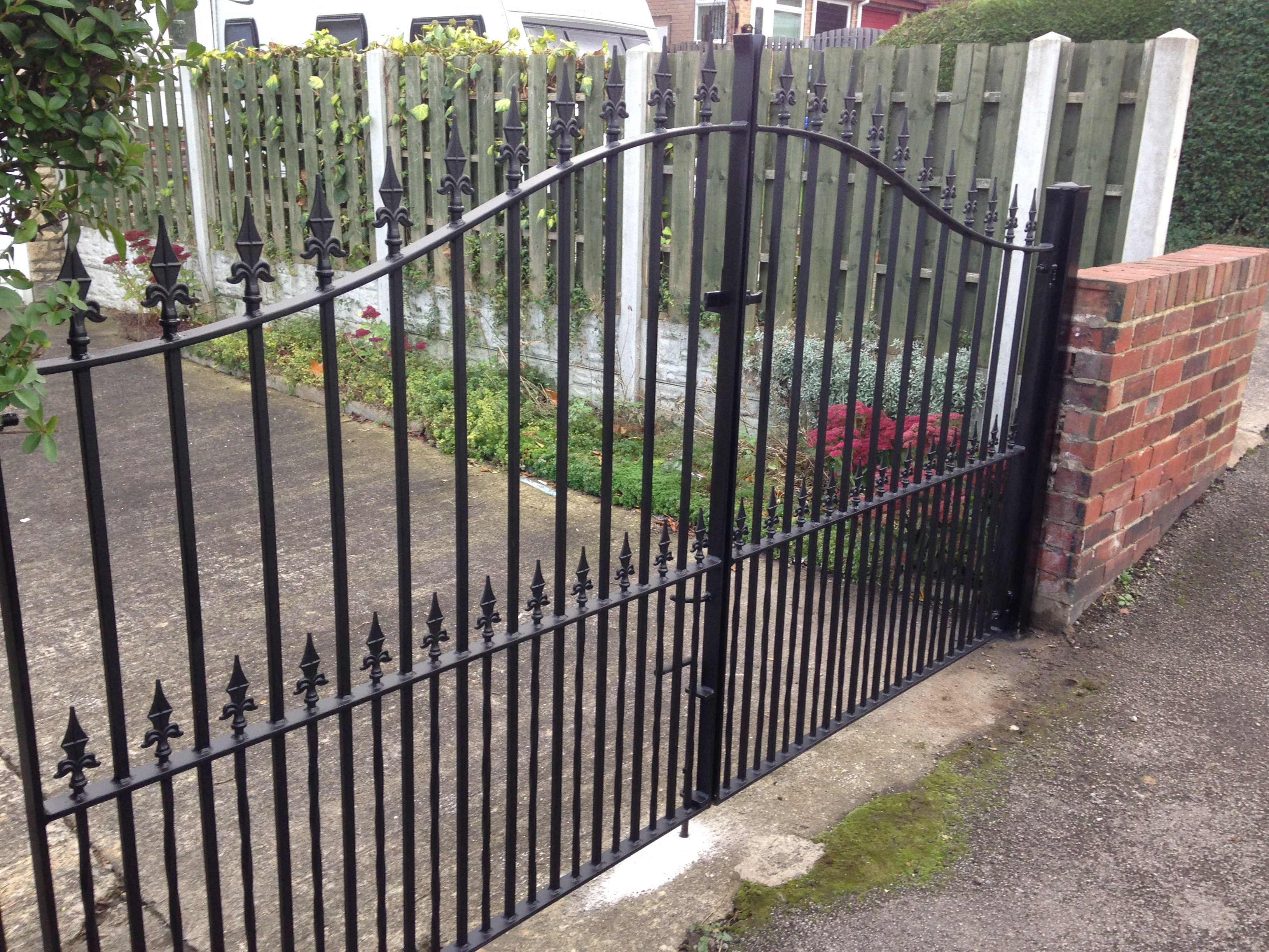 designer arch drive gates