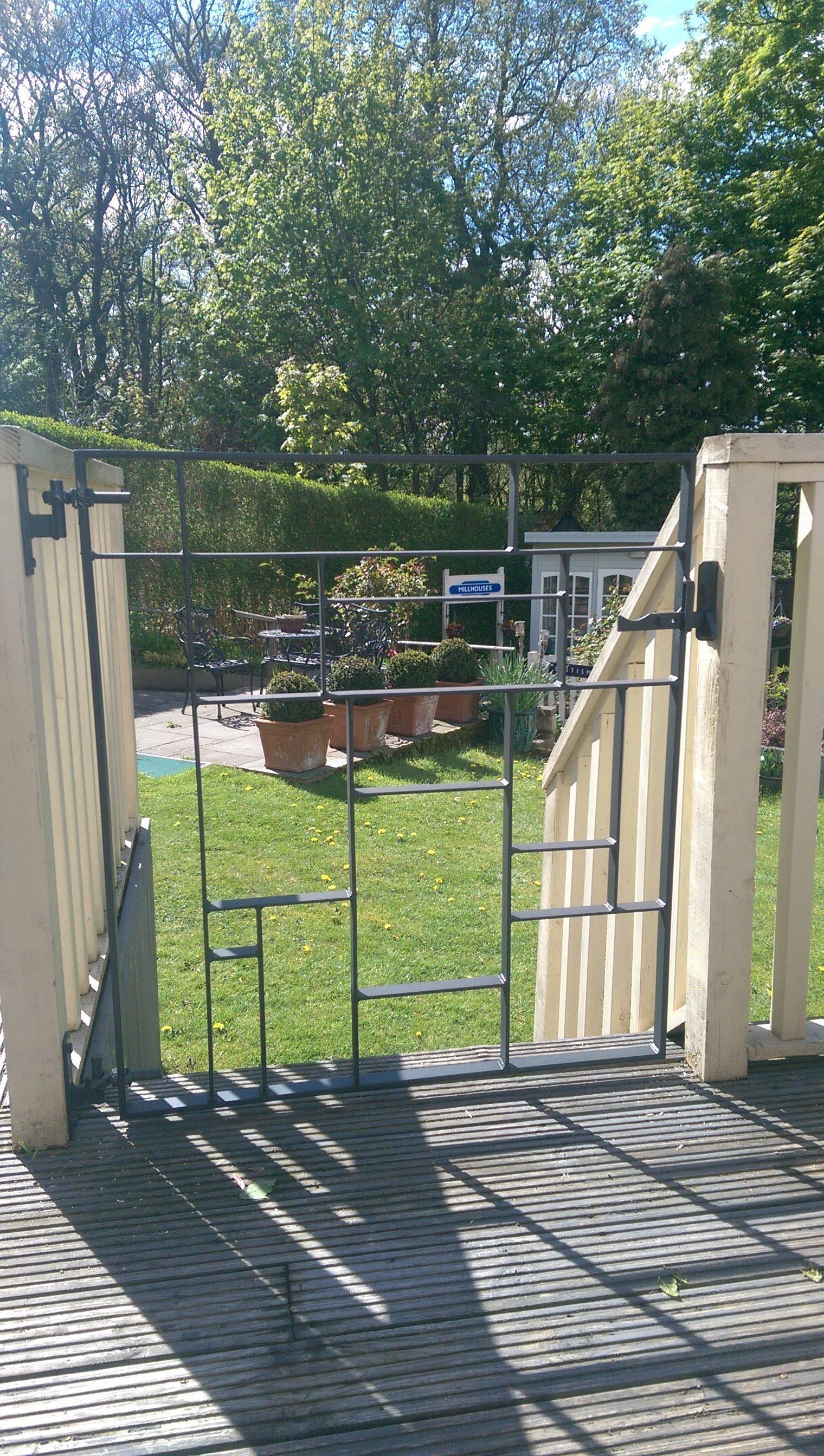 36   Artistic Garden Gate   Anthracite Finish