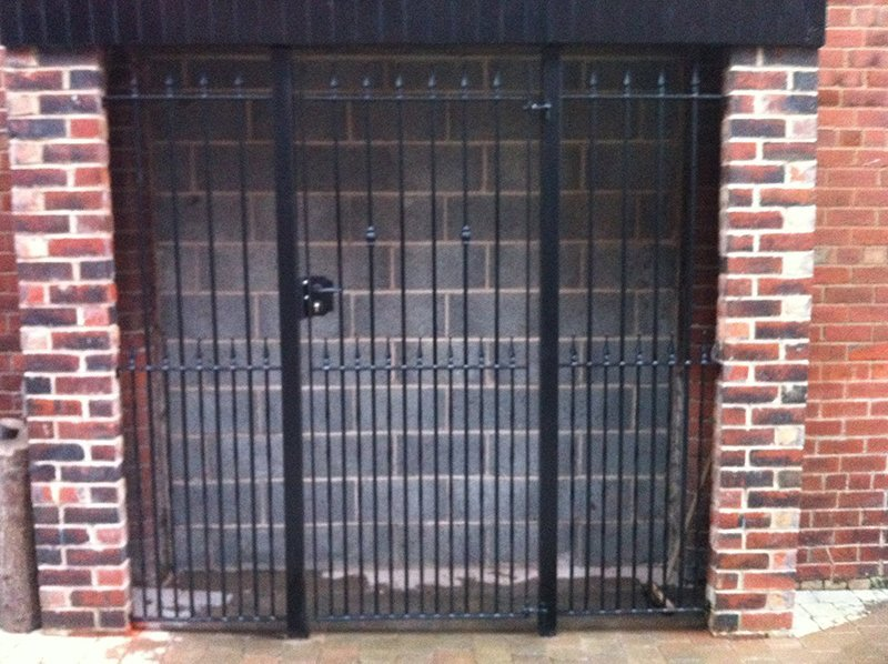 made-to-measure side entry gates