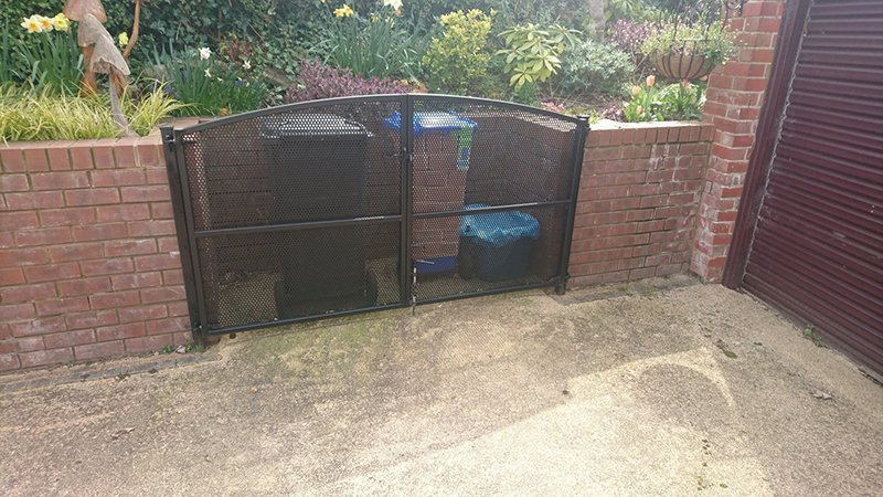 Bin Enclosure gate mesh