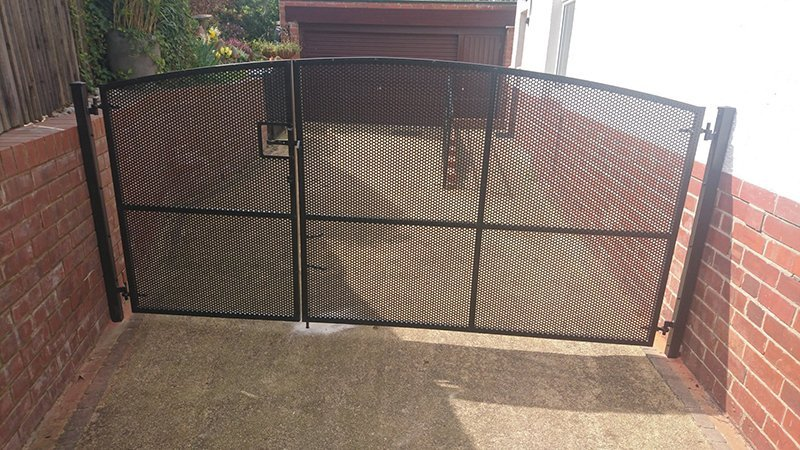 perforated mesh gates