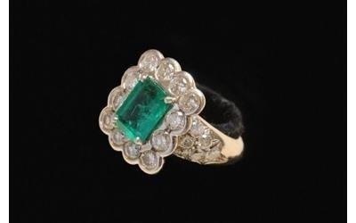 Anello con smeraldo Gioielleria Pivano Martino