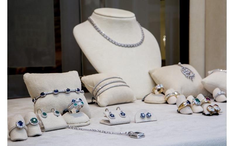 Dettaglio gioielli Pivano Martino