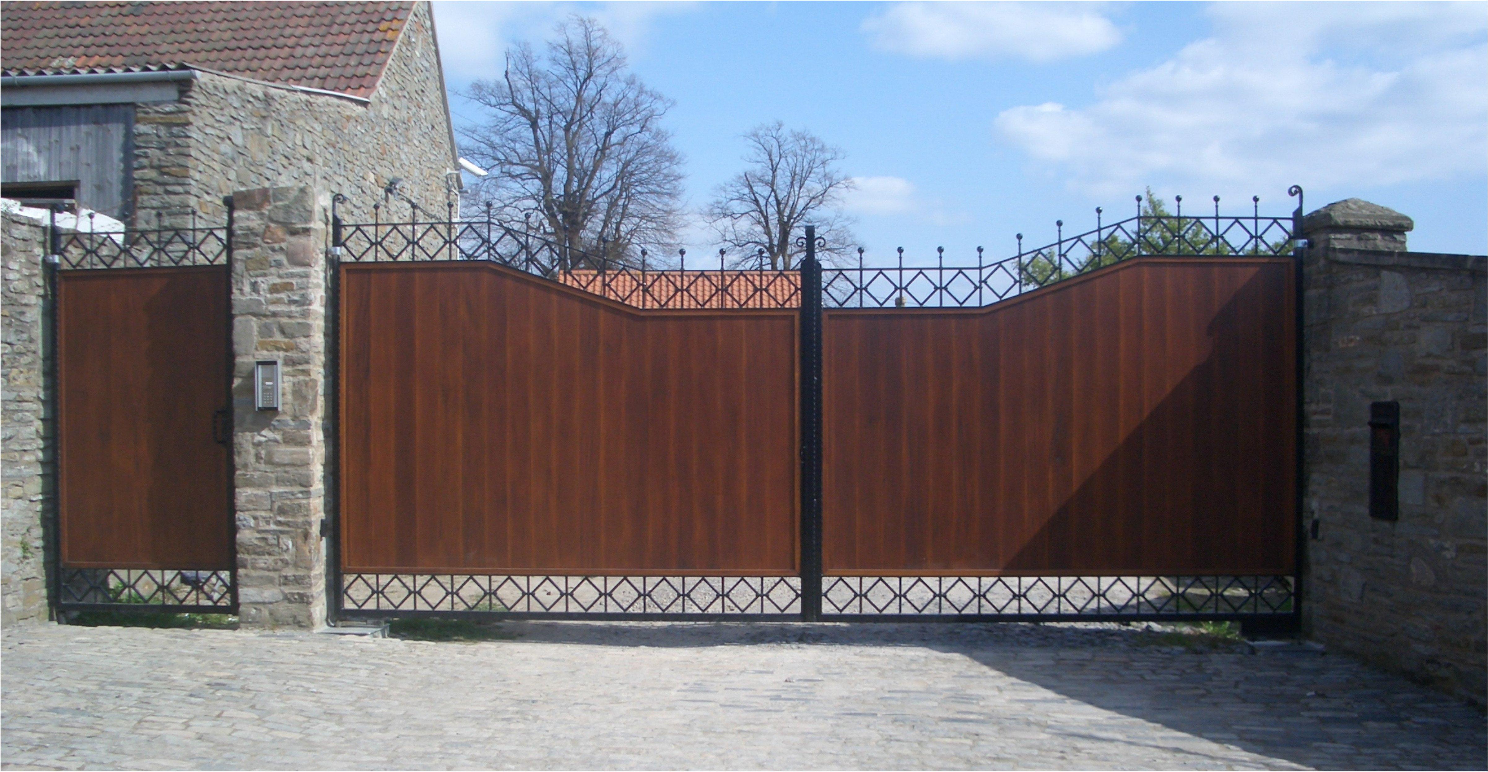 Timber infill gate