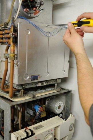 manutenzione programmata caldaia, pronto intervento caldaia, riparazione caldaia