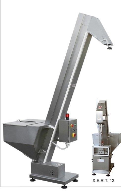 Elevatori con Scivolo per alimentazione Distributori Tappatrici - Elevatore con bocchetta di scarico