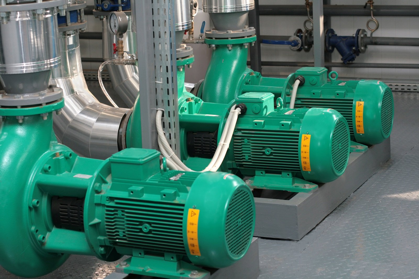 elettropompe verdi  per il convogliamento dell'acqua