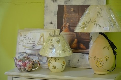 lampade con decorazioni floreali
