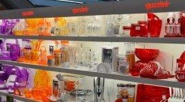 piccoli elettrodomestici, servizi di piatti, accessori da cucina