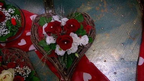 bouquet con una rosa rossa