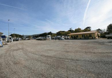 servizio parcheggio autocarri