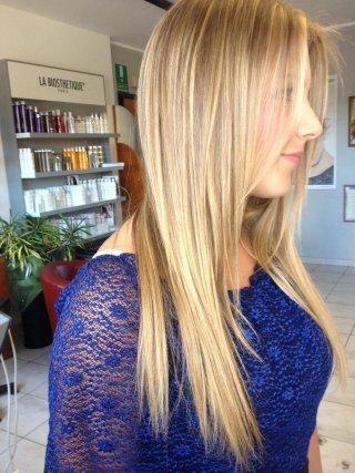 capelli biondi lunghi