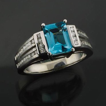 custom jewelry - Lake Forest, IL