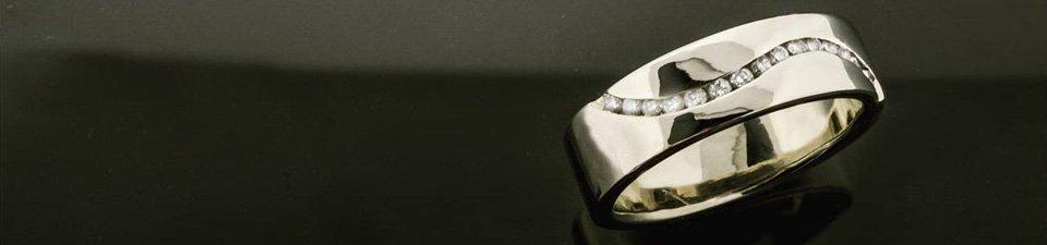 Custom Engagement Rings for Men