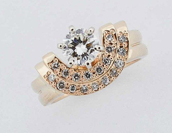 custom anniversary rings