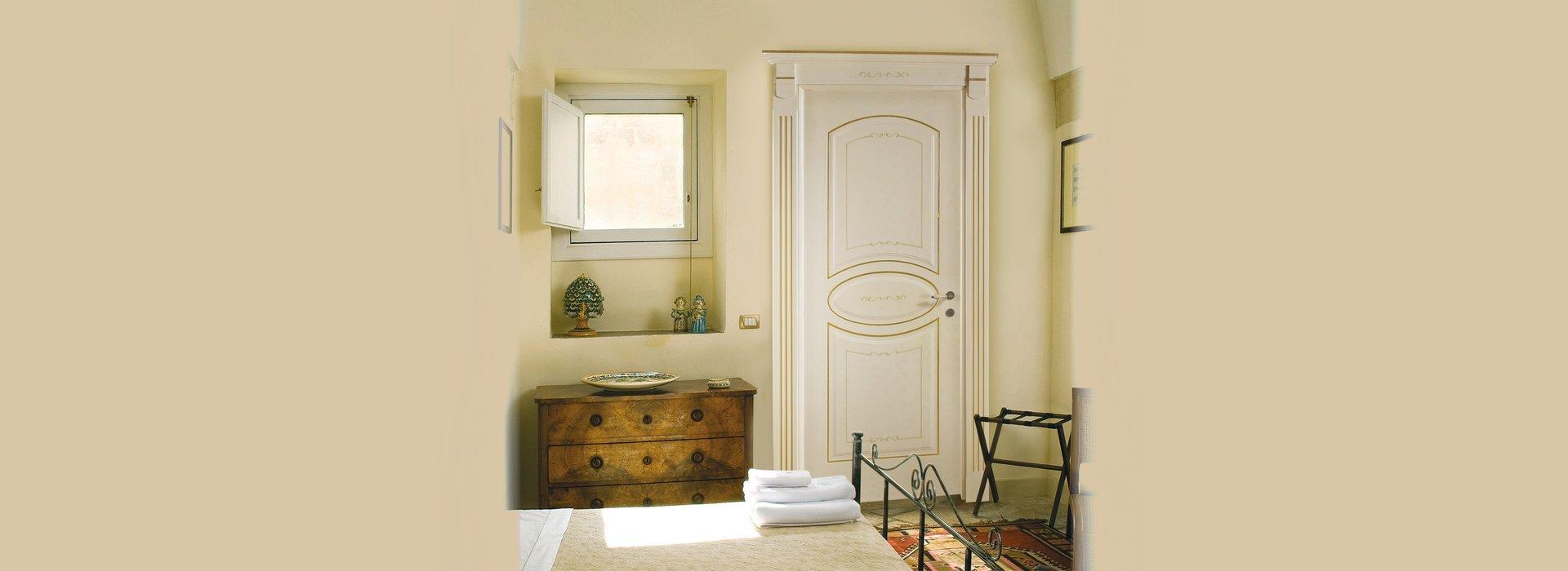 porte classiche in legno massiccio naturali e deco'