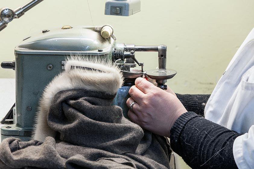 Lavorazione artigianale pellicce