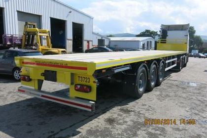 Trailer without top