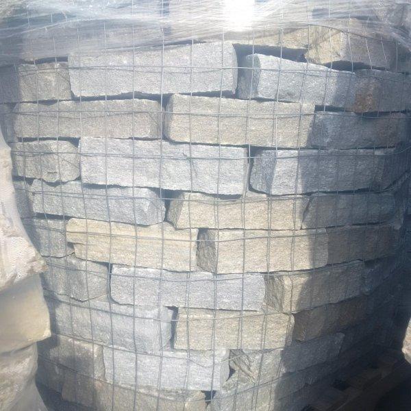 Pietra da muro Luserna
