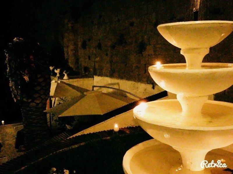 una fontana a 4 piani