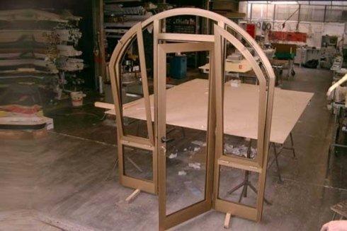 Produzione porte e finestre in alluminio.