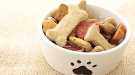 biscotti per gatti, scatolette per cani, scatolette per gatti