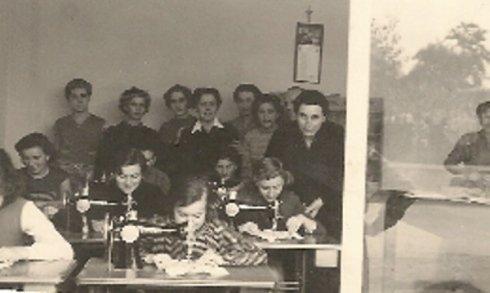 foto storica sarte ala lavoro