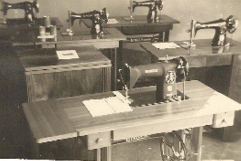 foto storica macchine da cuicire