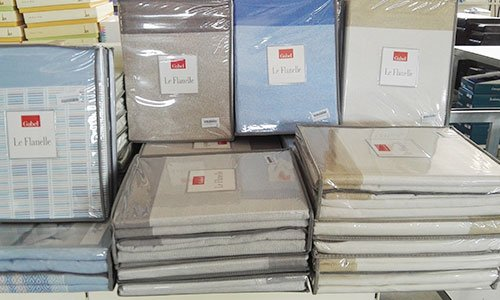confezioni con lenzuola di diversi colori