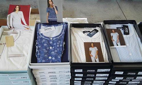 pigiama da donna in scatola