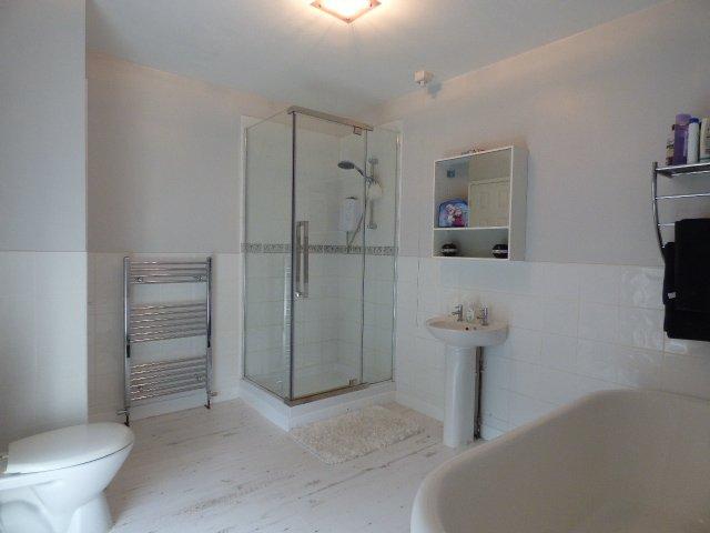 House for sale. High Street, Pontycymer. Bathroom