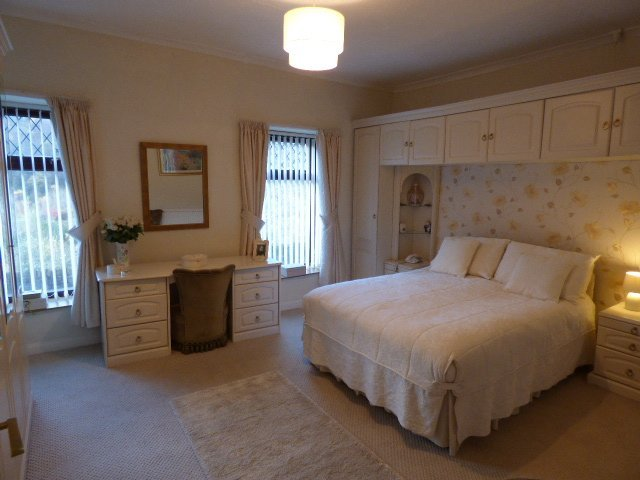 House for sale. Victoria Street. Bedroom 1