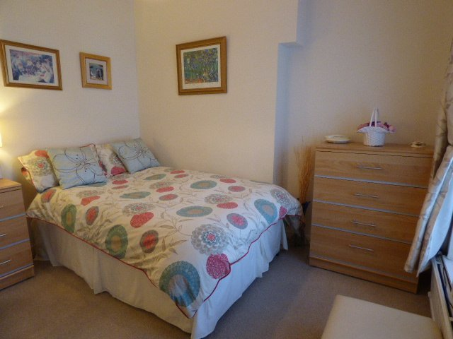 House for sale. Victoria Street. Bedroom 2