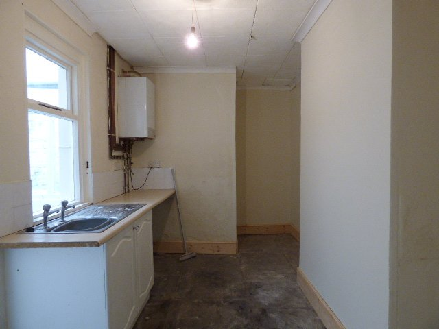 House for sale. The Avenue, Pontycymer. Kitchen