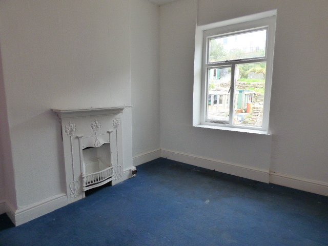 House for sale. The Avenue, Pontycymer. Bedroom 2